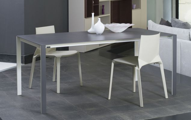 Tavolo kristalia thin k for Outlet tavoli design